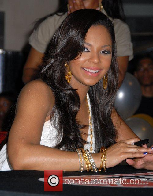 Ashanti and Times Square 5