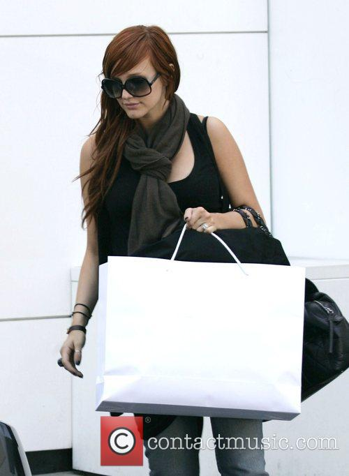 Ashley Simpson goes shopping at Chanel on Rodeo...