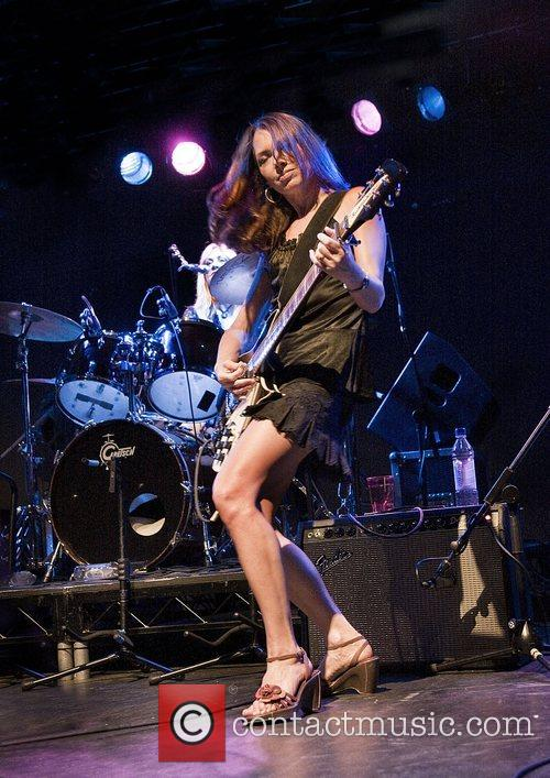 Susanna Hoffs 7