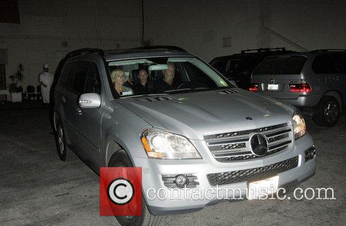 Sandra Beckham and Victoria Beckham 4