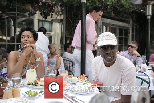 Bishop Noel Jones Has Lunch With A Friend At The Ivy 1