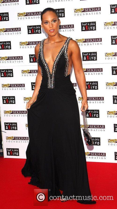 Alicia Keys Keep A Child Alive: Black Ball...