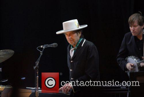 Bob Dylan and Optimus Alive 11