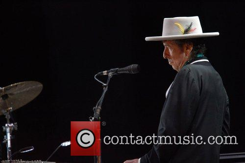 Bob Dylan and Optimus Alive 6