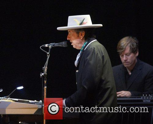 Bob Dylan and Optimus Alive 4