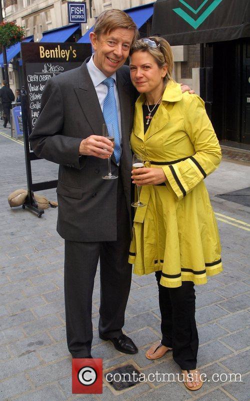 Henry Kelly & Penny Smith Tabasco British Oyster...
