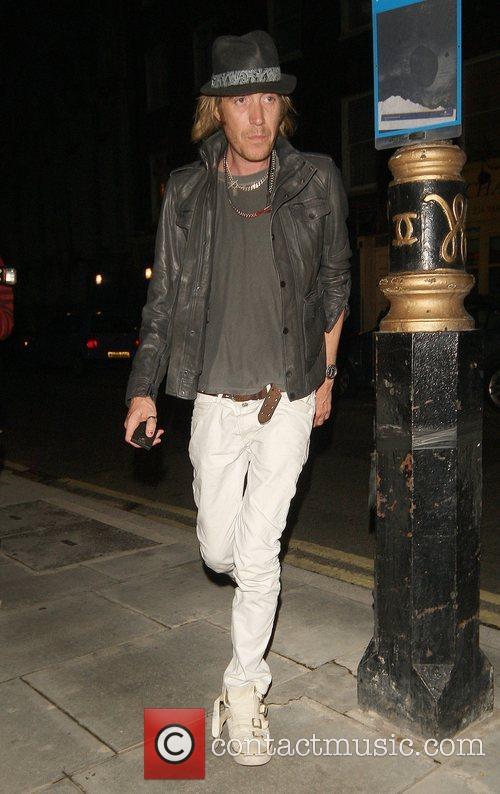 Rhys Ifans 11