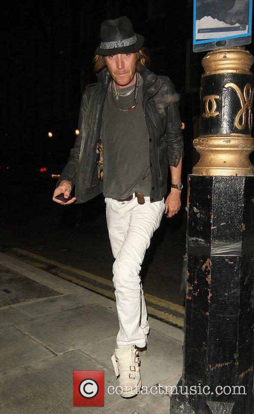 Rhys Ifans 7