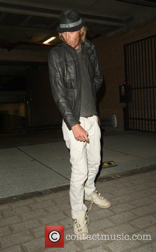 Rhys Ifans 9