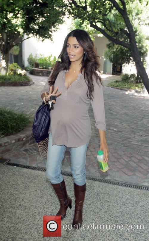 Camila Alves pregnant girlfriend of Matthew McConaughey goes...