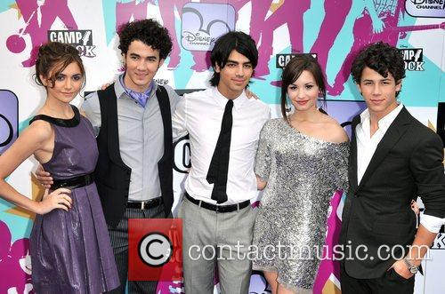 Alyson Stoner, Joe Jonas, Nick Jonas, Demi Lovato and Kevin Jonas 5