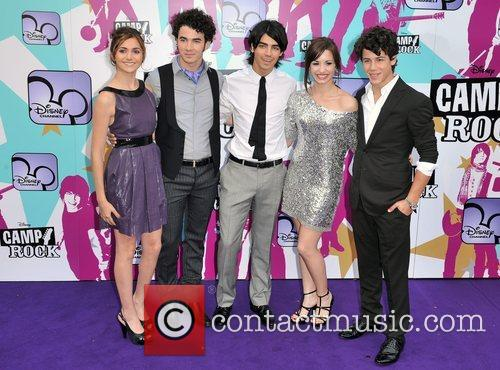 Alyson Stoner, Joe Jonas, Nick Jonas, Demi Lovato and Kevin Jonas 8