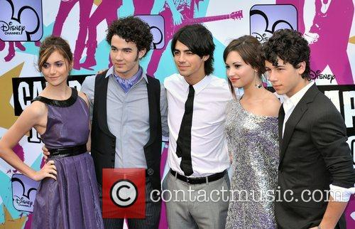 Alyson Stoner, Joe Jonas, Nick Jonas, Demi Lovato and Kevin Jonas 7
