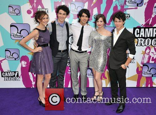 Alyson Stoner, Joe Jonas, Nick Jonas, Demi Lovato and Kevin Jonas 10