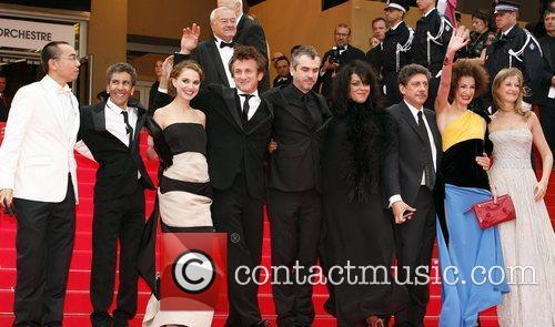 Natalie Portman and Sean Penn 5