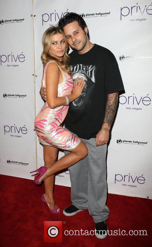 Carmen Electra and Rob Petterson 8