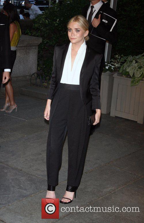 Ashley Olsen and Cfda Fashion Awards 3