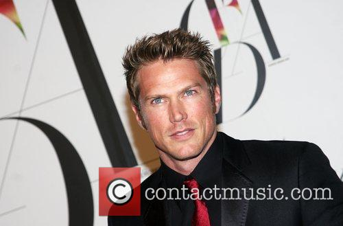 Jason Lewis and Cfda Fashion Awards 8