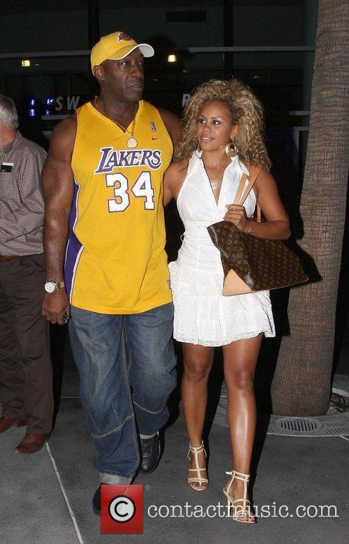 Michael Clarke Duncan Leaving the Lakers games Los...