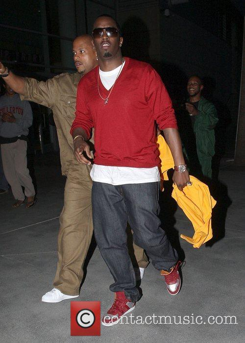 Sean 'P. Diddy' Combs Leaving the Lakers games...