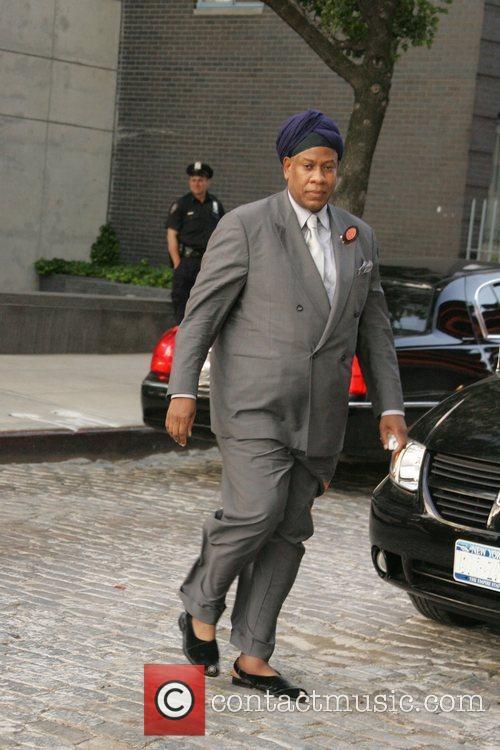 Arrives at Calvin Klein's New York City apartment...