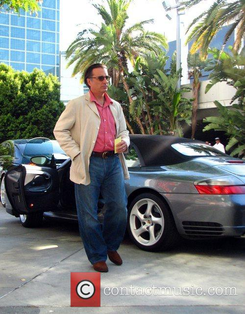Andy Garcia arriving at the LA Lakers game...