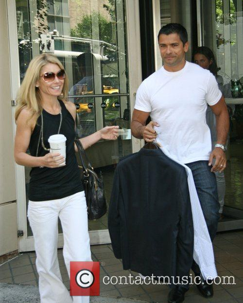 Kelly Ripa 7