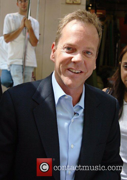 Kiefer Sutherland, Abc and Abc Studios 2