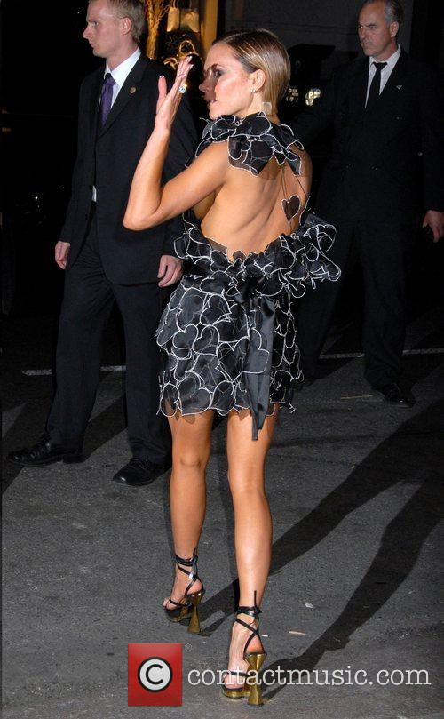 Victoria Beckham and Cfda Fashion Awards 8