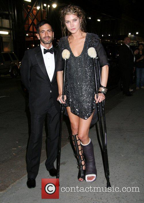 Marc Jacobs and Cfda Fashion Awards 11