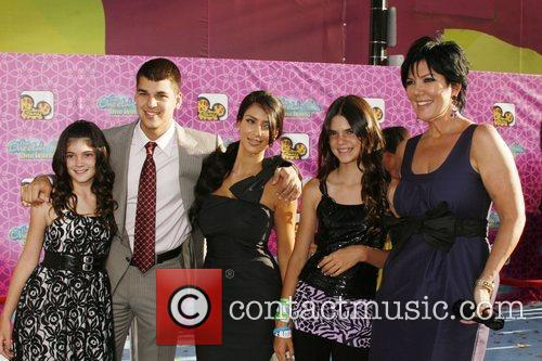 Kylie Jenner and Kim Kardashian 4