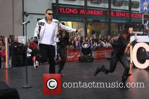 Performs live on 'The Today Show Concert Series'...