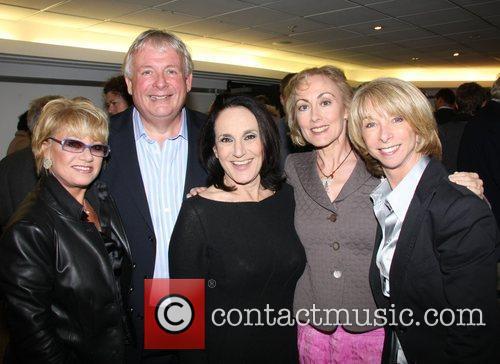 Elaine Page, Lesley Joseph and Paula Wilcox 1
