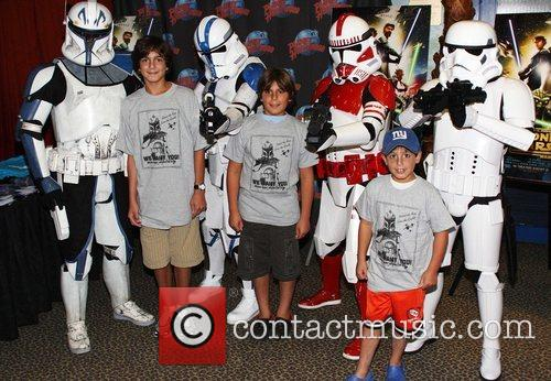 'Star Wars: The Clone Wars' characters visit Planet...