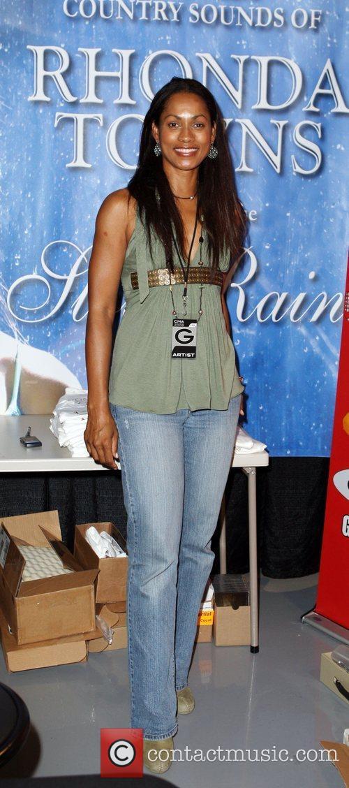 Rhonda Towns 2008 CMA Music Festival - Celebrity...