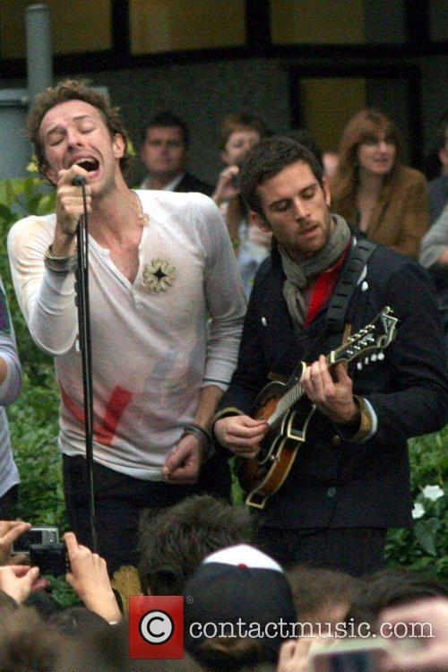 Chris Martin and Jonny Buckland Of Coldplay 1