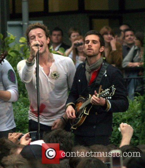 Coldplay and Jonny Buckland Of Coldplay 4