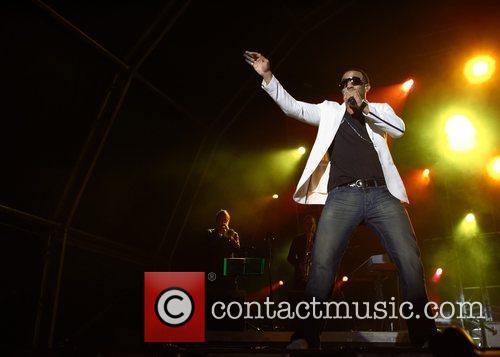 Craig David performing live at Praca do Comercio...