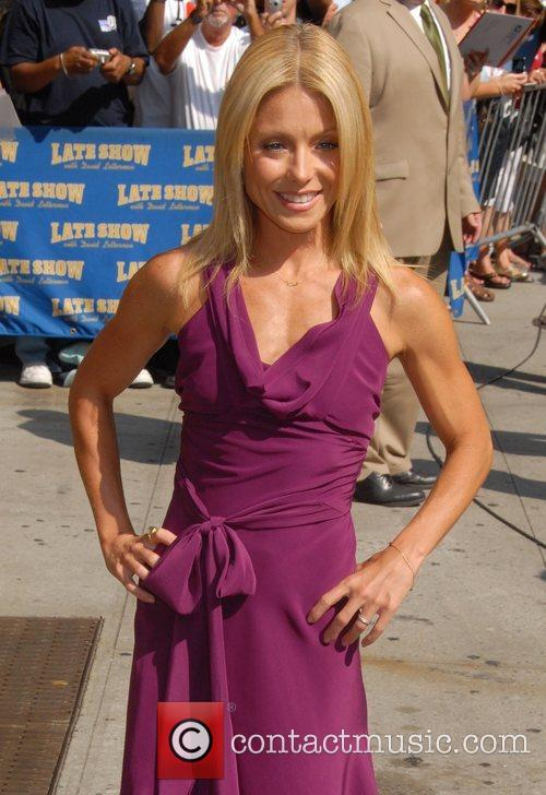 Kelly Ripa, David Letterman and The Late Show With David Letterman 7