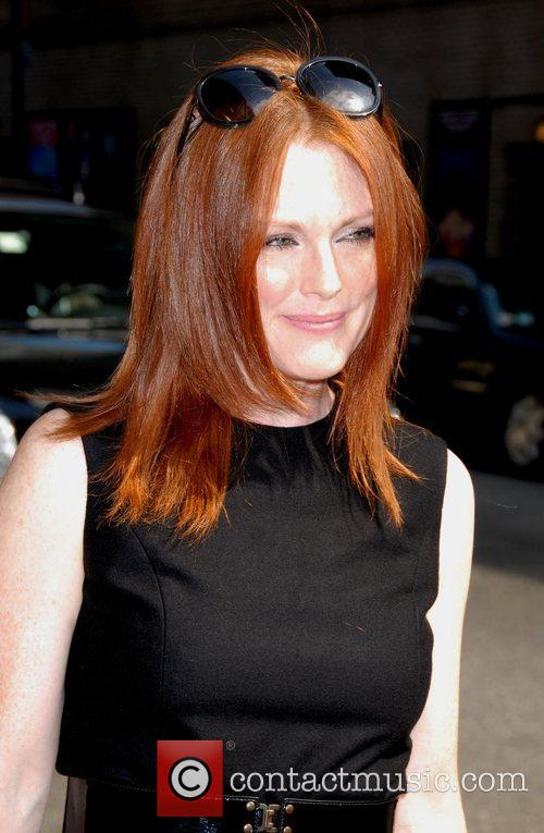 Julianne Moore, Cbs and David Letterman 8
