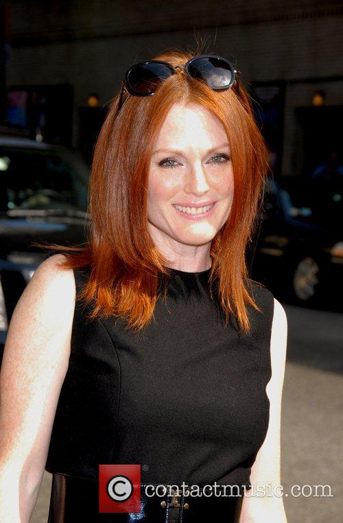 Julianne Moore, Cbs and David Letterman 4