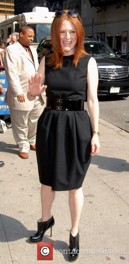 Julianne Moore, Cbs and David Letterman 1