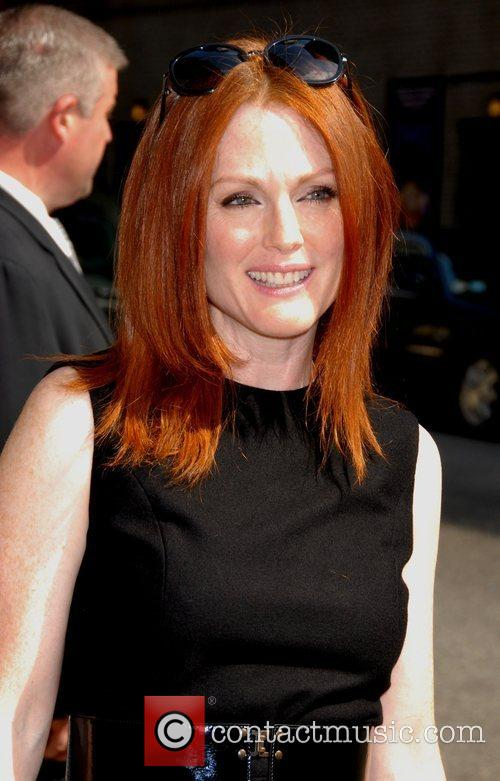 Julianne Moore, Cbs and David Letterman 9