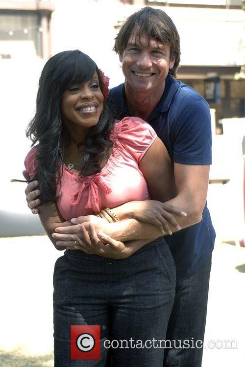 Niecy Nash and Jerry O'connell 4