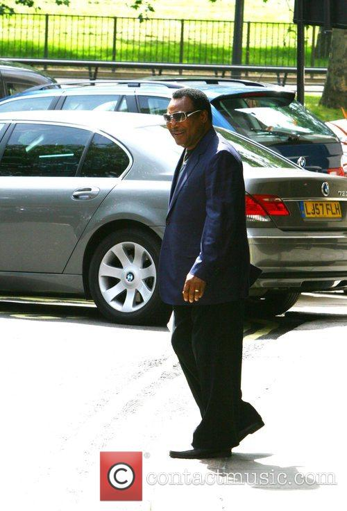 George Benson outside the Dorchester hotel London, England