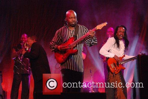 Earth Wind And Fire 12
