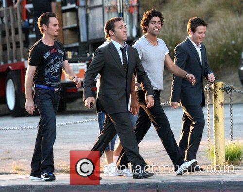 Kevin Dillon, Adrian Grenier, Hbo and Jeremy Piven 5