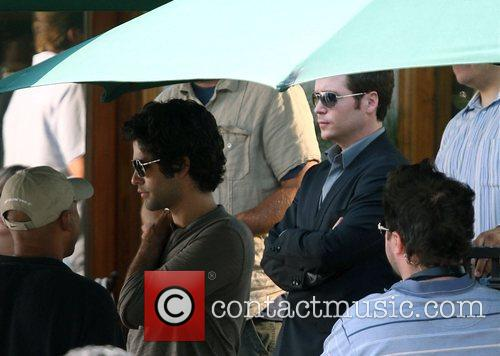 Adrian Grenier and Kevin Connolly The cast of...