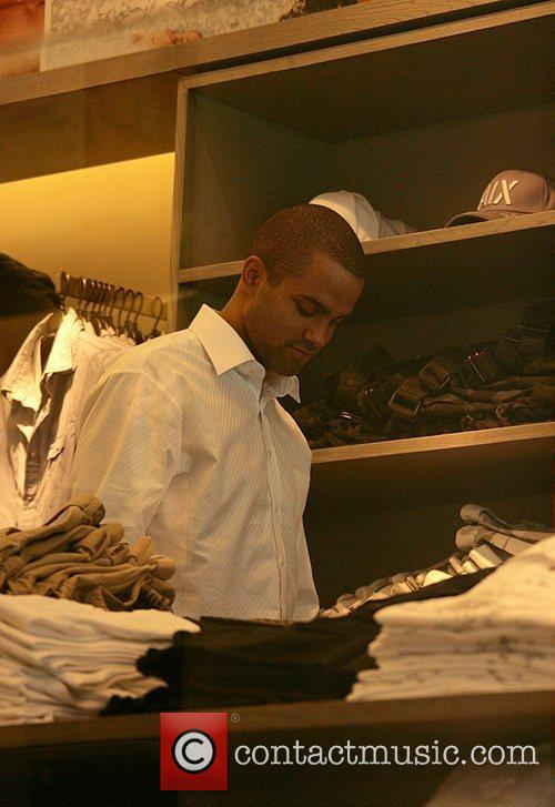 Tony Parker  shopping with Eva Longoria Parker...