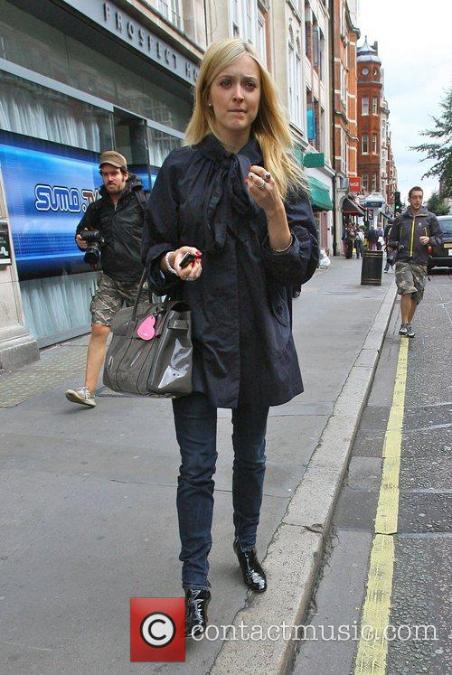 Fearne Cotton leaving Radio 1 wearing a navy...